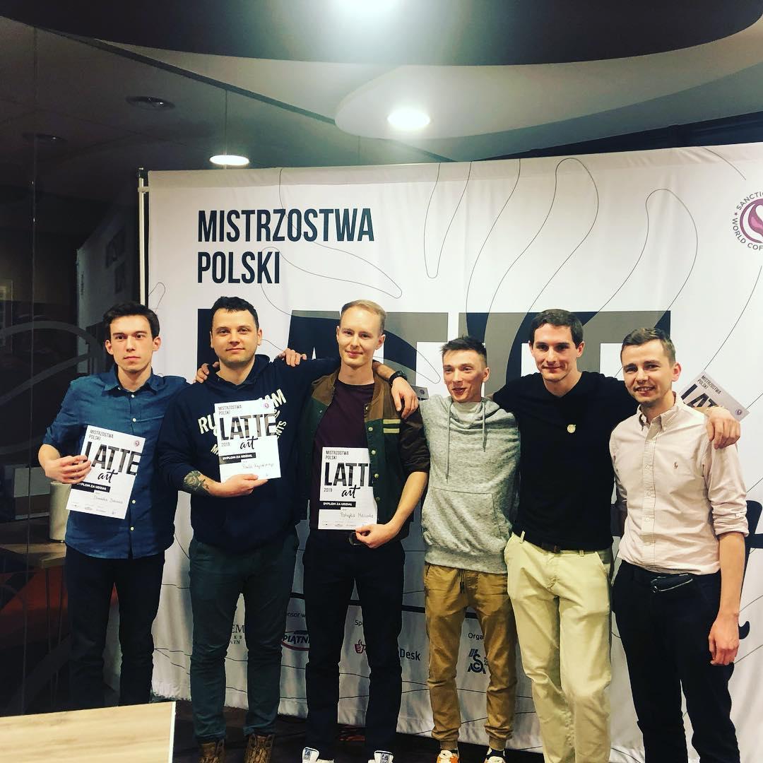Mistrzostwa Polski Latte art 2019 Dominik Dobosz, Mateusz Dąbek, Marek Witak, Grzegorz Cieślak, Patryk Mazurek, Paweł Krysiński.